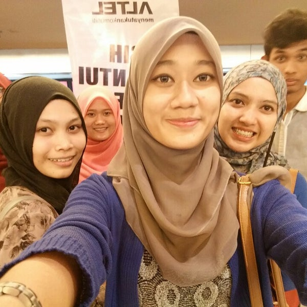 Photo taken at Big Cinemas by Nur Amnie Shamimi S. on 10/3/2014