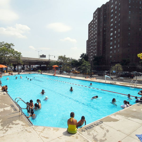 Asser levy recreation center outdoor swimming pool - Sportspark swimming pool new york ny ...