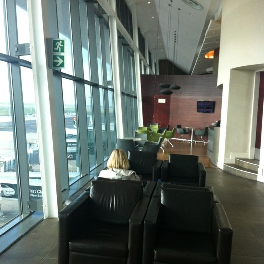 Photo taken at SAA Business Lounge Cape Town by Paul S. on 5/9/2012