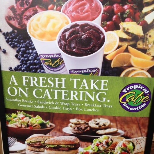 Photo taken at Tropical Smoothie Cafe by Michael Jordan Y. on 4/14/2012