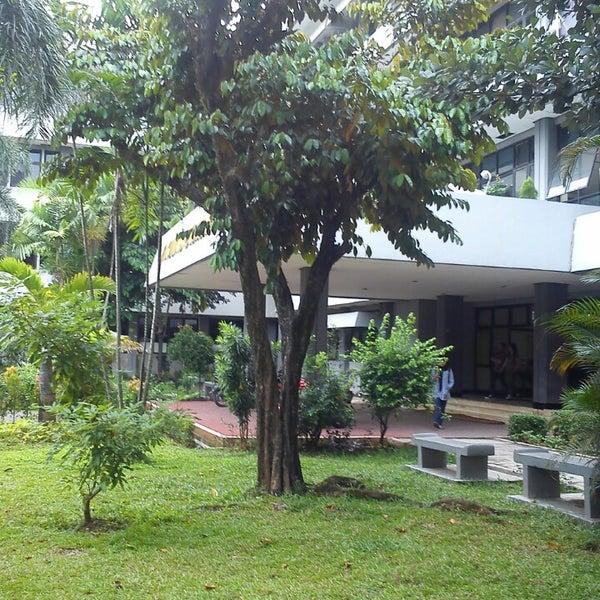 Ekonomi Universitas Pancasila Fakultas Ekonomi Universitas