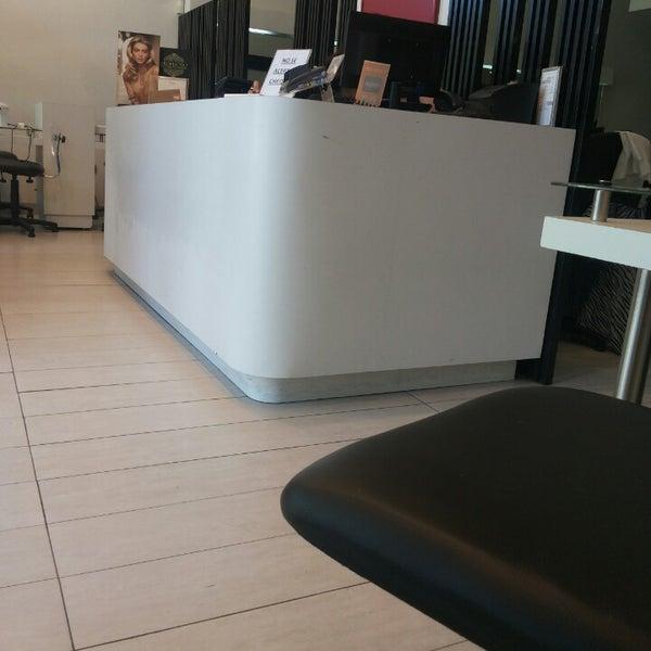 Hair salon barbershop in la florida for 18 8 salon dallas