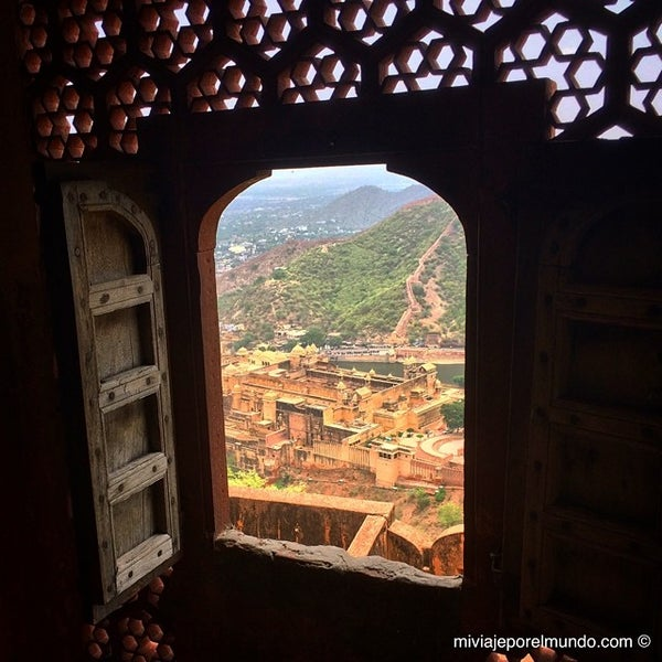 Where's Good? Holiday and vacation recommendations for Jaipur, India. What's good to see, when's good to go and how's best to get there.