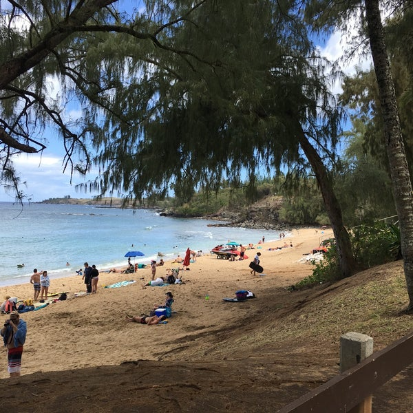 Photo taken at D.T. Fleming Beach Park by Yuki U. on 3/29/2016