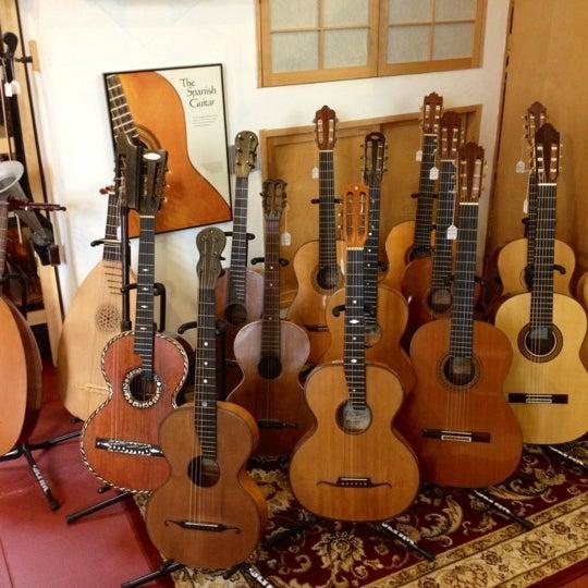 retrofret vintage guitars boerum hill 1 tip from 78 visitors. Black Bedroom Furniture Sets. Home Design Ideas