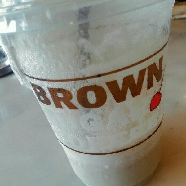Photo taken at brown sugar cafe by ĴÎÑ Ž. on 8/3/2015
