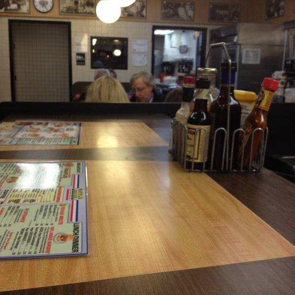 Photo taken at Waffle House by JP C. on 1/11/2013