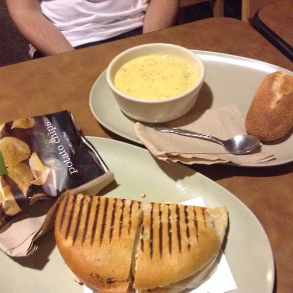 Photo taken at Panera Bread by Özge S. on 3/28/2014