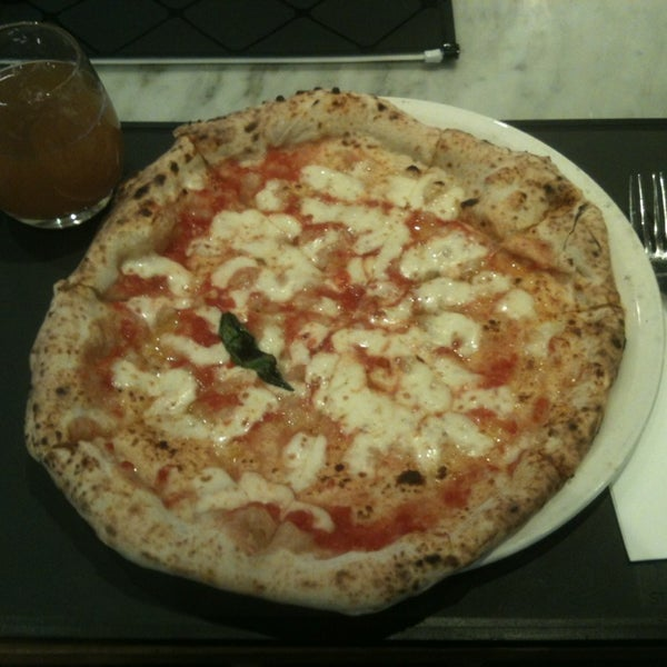 Photo taken at Franco Manca by NiKkOs@n (ニコラ) on 3/25/2013