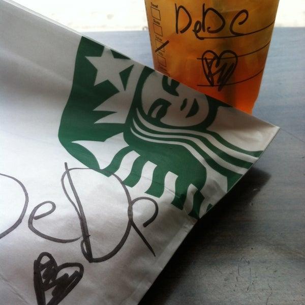Photo taken at Starbucks by Dede M. on 5/23/2014