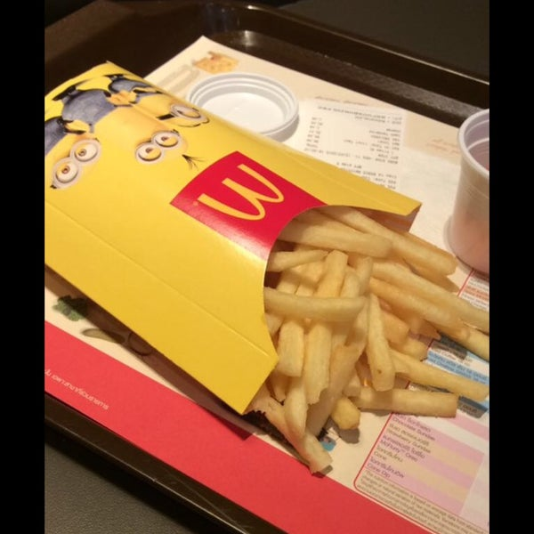Photo taken at McDonald's (แมคโดนัลด์) by Jidapa S. on 7/12/2015