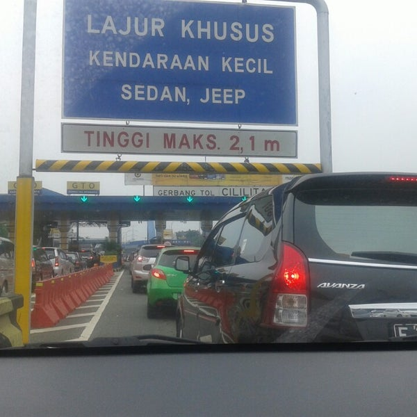 Photo taken at Gerbang Tol Cililitan by Lia H. on 6/28/2014
