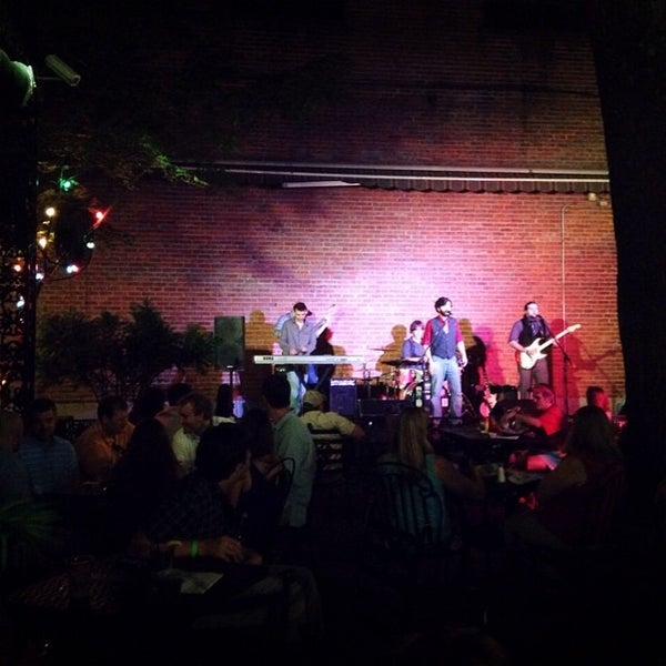 Photo taken at Humphrey's Bar and Grill by Nikki T. on 6/14/2014