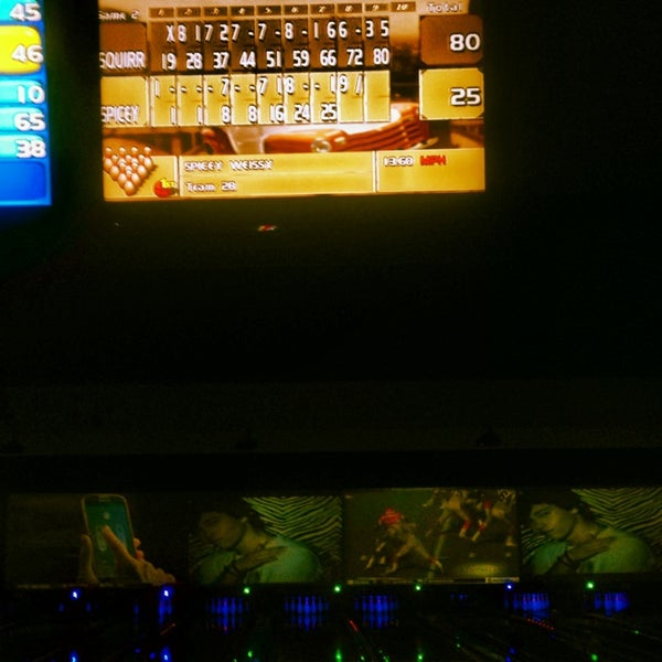 Photo taken at Bowlmor Rockville by Jules W. on 12/29/2013