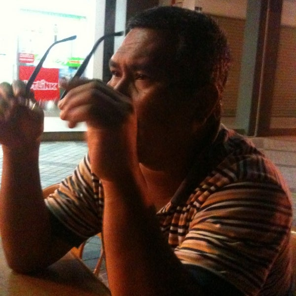 Photo taken at Teratak D'lalapan Restoran Kampung & Katering by Hazizul R. on 1/31/2013