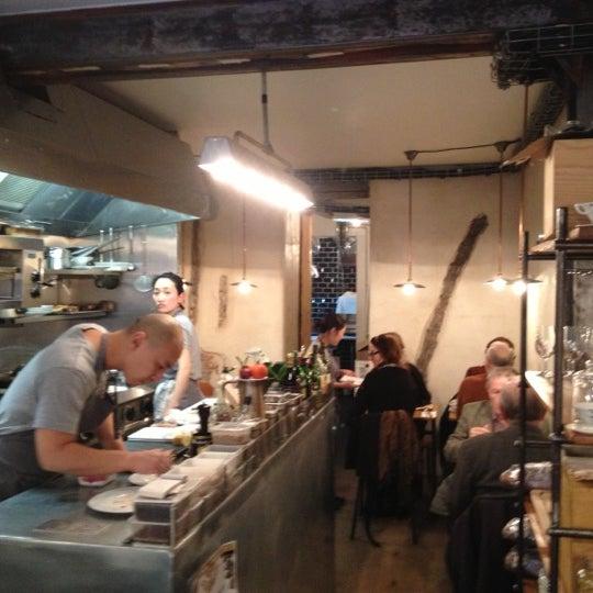 Paris candles for two for Restaurant abri paris