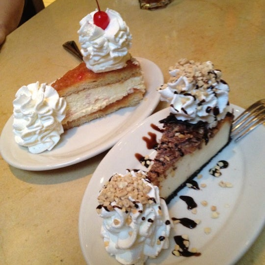 Photo taken at Cheesecake Factory by Mario L. on 3/3/2012