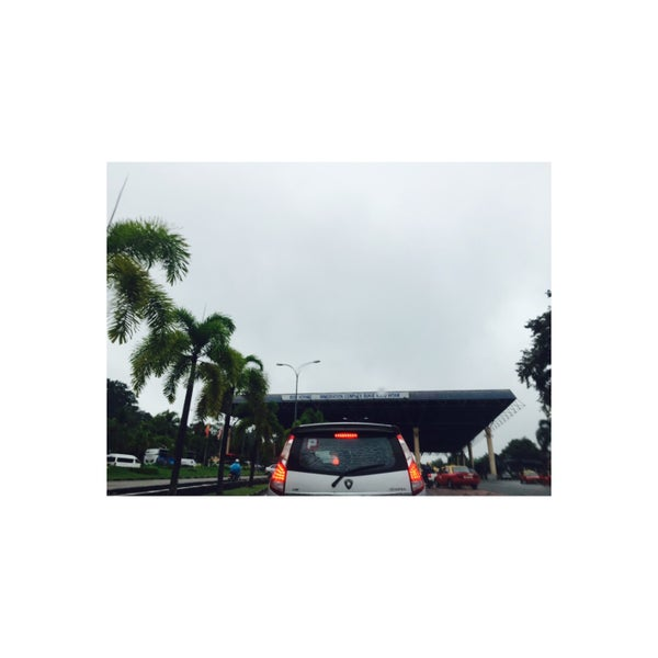 Photo taken at Bukit Kayu Hitam Immigration Complex by Joeey on 12/2/2016
