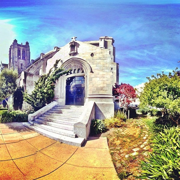 Photo taken at St. Dominic's Catholic Church by Omarrr R. on 4/13/2013