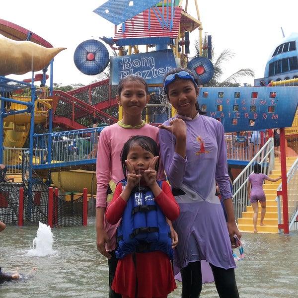 Photo taken at Waterbom Jakarta by Irwan K. on 12/27/2014