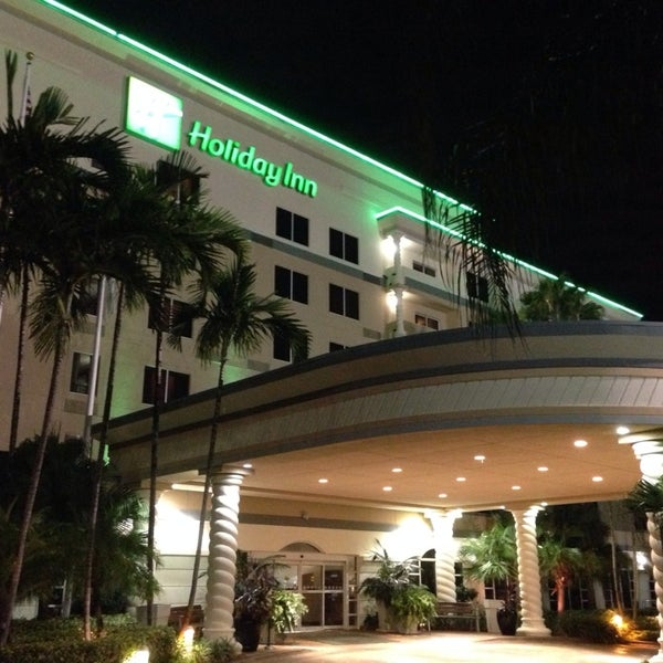 Photo taken at Holiday Inn Ft. Lauderdale-Airport by Sir Chandler on 10/22/2013