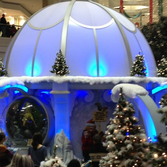 Photo taken at Woodfield Mall by Mickey M. on 12/9/2012