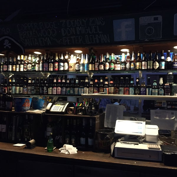 Photo taken at Sharkeys Beer & Wine by Faris S. on 1/22/2015