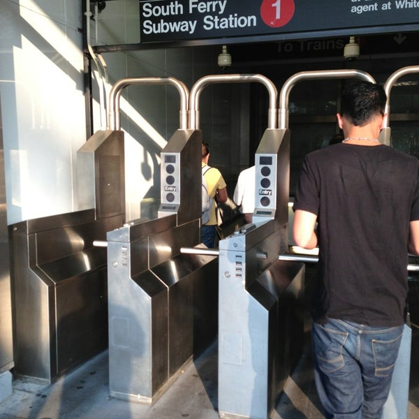 Photo taken at MTA Subway - South Ferry (1) by Rob L. on 8/13/2013
