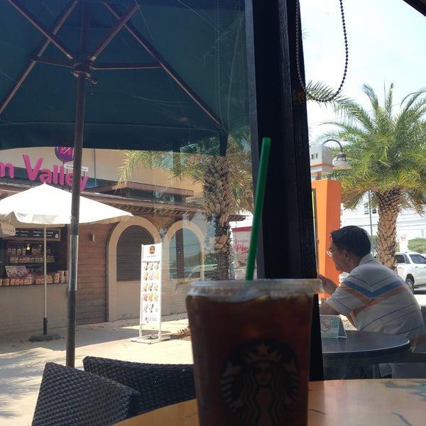 Photo taken at Starbucks by Apple P. on 3/13/2016
