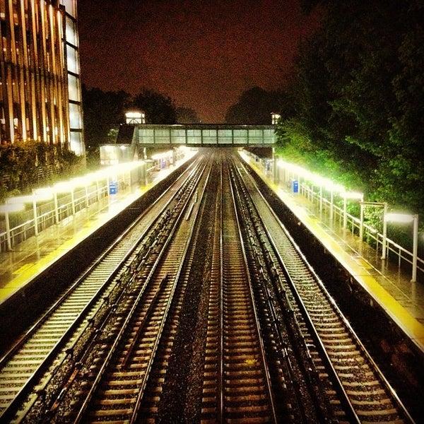 Botanical Garden Metro North Station