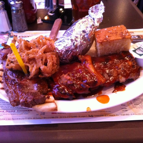 Photo taken at Dallas BBQ by Houseman C. on 2/14/2013