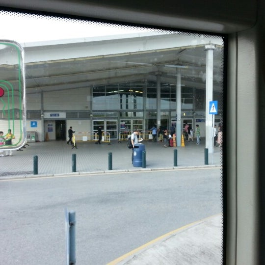 Photo taken at Taipa Ferry Terminal | Terminal Marítimo de Passageiros da Taipa | 氹仔客運碼頭 by Chino N. on 9/8/2012