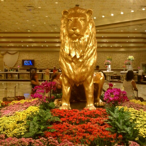 Photo taken at MGM Grand Hotel & Casino by Carnell H. on 6/13/2013