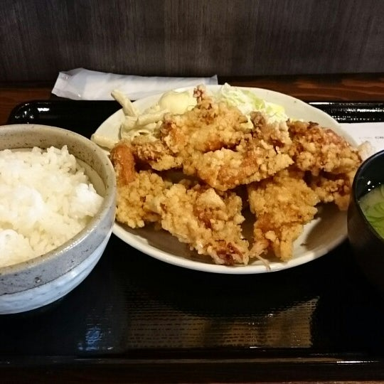 Photo taken at 日本橋 紅とん 池袋ビックリガード店 by yama Y. on 3/27/2015