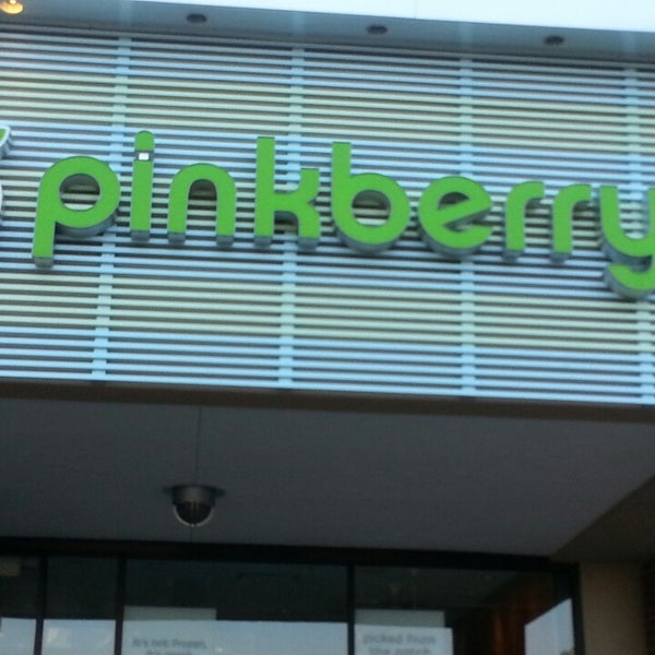 Photo taken at Pinkberry by Angell S. on 4/24/2013