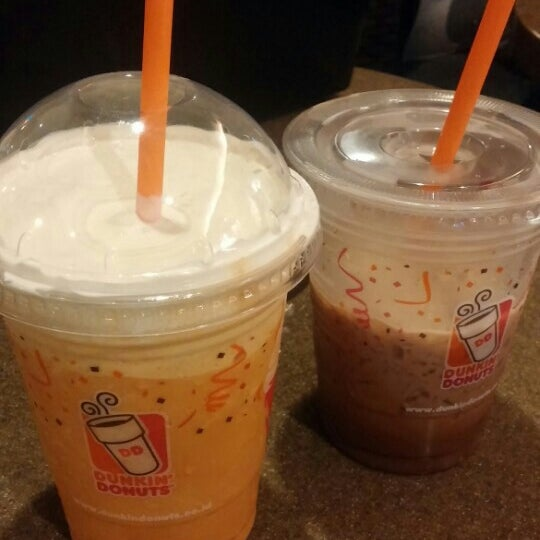 Photo taken at Dunkin' Donuts by Divius D. on 7/22/2015