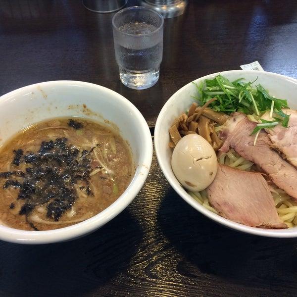 Photo taken at 手打ち麺処 暁天 by Hiromu W. on 7/20/2015
