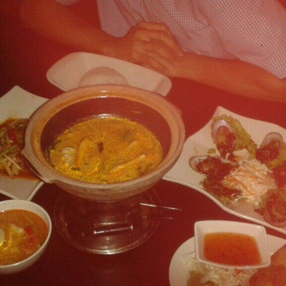 Photo taken at Soul Thai Restaurant by Calvin O. on 2/9/2016