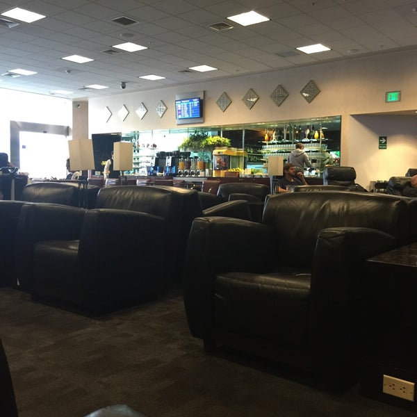 Photo taken at Sumaq VIP Lounge & Business Center by Jonathan D. on 5/28/2016