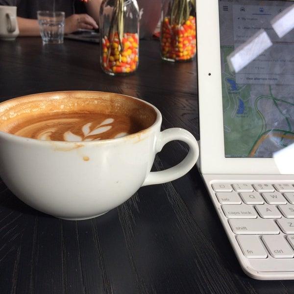 Photo taken at Coffeehouse Northwest by Era F. on 10/31/2014