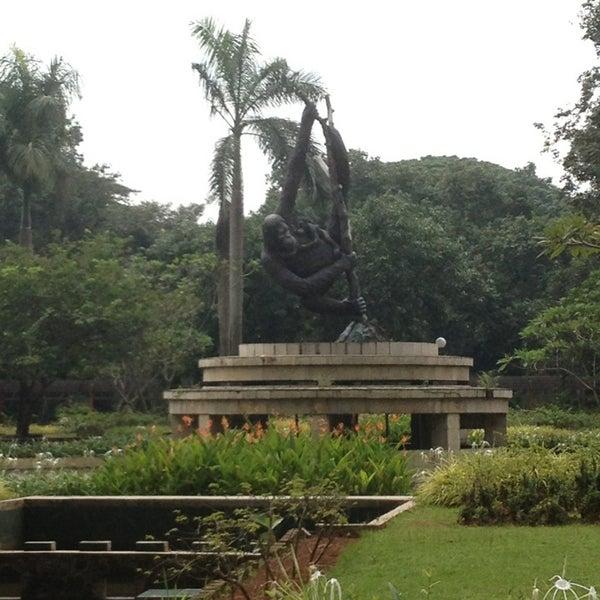 Photo taken at Kebun Binatang Ragunan by Haryo Seno W. on 2/11/2013