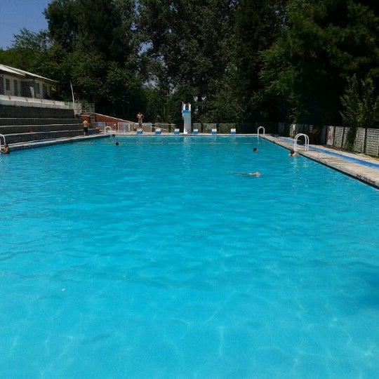 Piscina mirasol piscina en huechuraba for Cuando abren las piscinas en madrid