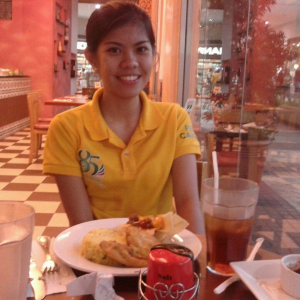 Photo taken at Jalapeño Authentic Tex-Mex Cuisine by Cristine Joy B. on 3/1/2013