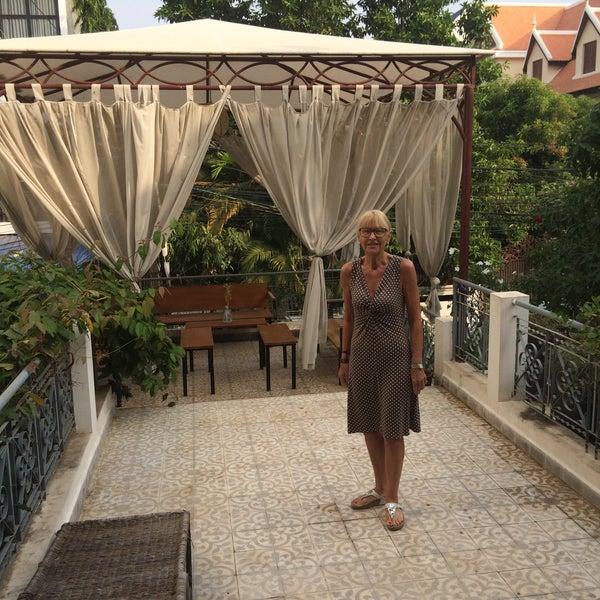 Jasmine terrace villa hotel in phnom penh for Terrace villa hotel kutus