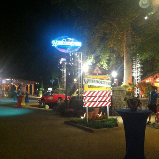 Photo taken at Busch Gardens Williamsburg by Mike L. on 5/18/2012