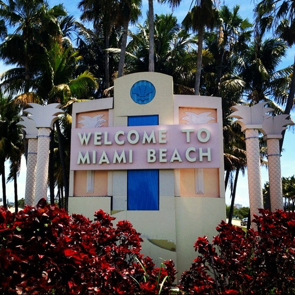 Places To Visit In Florida In April: Welcome To Miami Beach Sign