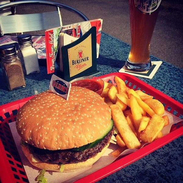 Down town garage motel american restaurant in berlin for Garage ad barlin