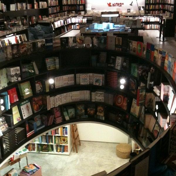 Photo taken at Livraria da Vila by Cesar B. on 6/11/2013