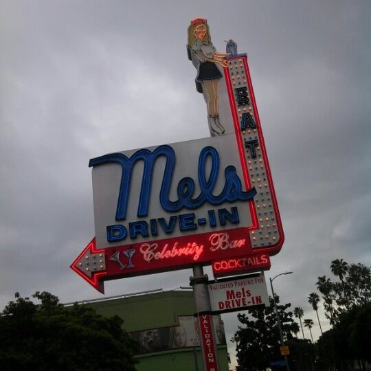 Photo taken at Mel's Drive-In by Derrick E. on 2/10/2013