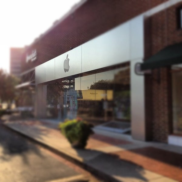 Photo taken at Apple University Park Village by Ryan P. on 9/12/2012